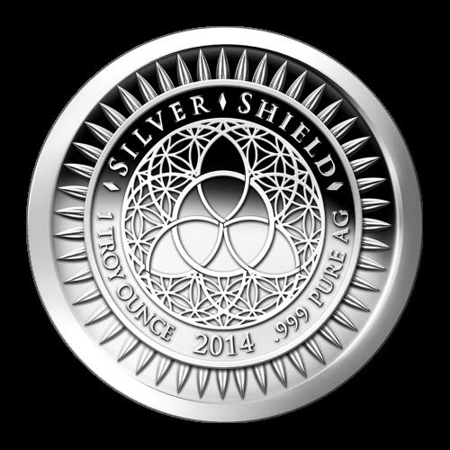 """El logo revisado de Silver Shield con el trivium en el centro rodeado de las palabras """"Silver Shield 1 Troy ounce 2014 .999 Pure AG"""" rodeado por 47 balas"""