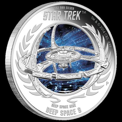 """Een reliëf van Deep Space Nine bovenop een gekleurde scene uit de ruimte en de woorden """"Star Trek Deep Space Nine Deep Space 9 1 oz .999 Silver"""" en het Perth muntteken."""
